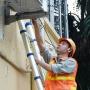 Hướng dẫn cách sử dụng thang nhôm rút đôi an toàn